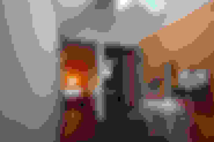 용인 문촌리 전원주택: 비온후풍경 ㅣ J2H Architects의  복도 & 현관