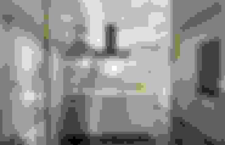 VRLWORKS – Ümit Aslan Villası Kemer:  tarz Mutfak