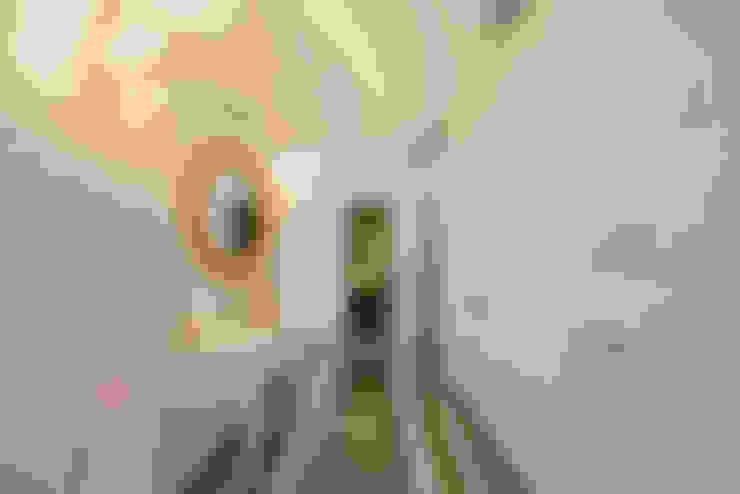 Corredores e halls de entrada  por VRLWORKS