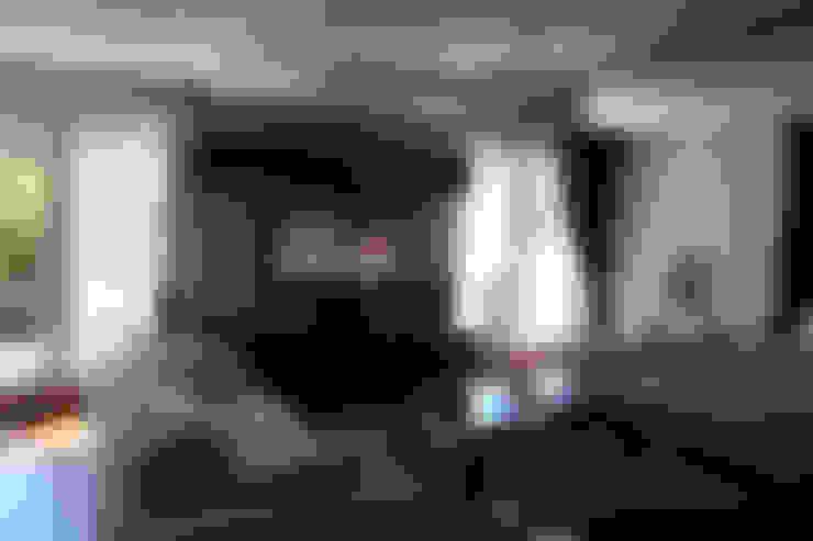 VRLWORKS – Soner Kaya Villası:  tarz Oturma Odası