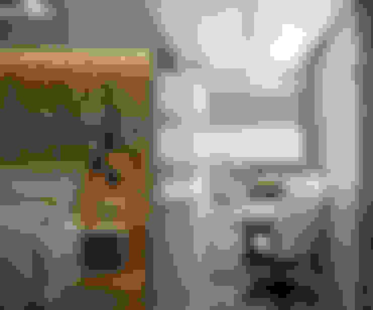 Terrazas de estilo  de Студия интерьерного дизайна happy.design