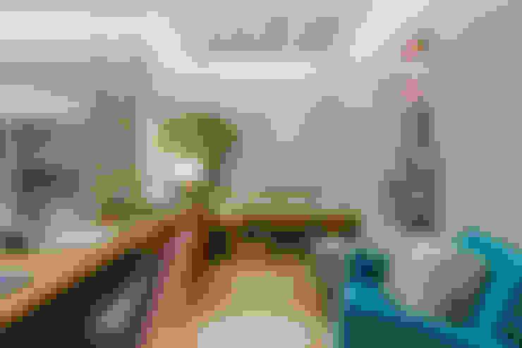 Living room by STUDIO LN