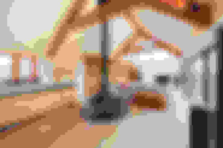 Salas de estar  por Trewin Design Architects