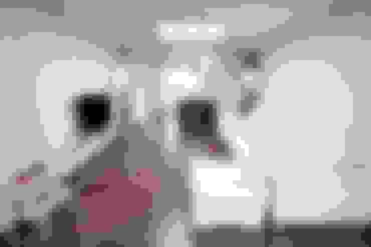 غرفة المعيشة تنفيذ DESIGNSTUDIO LIM_디자인스튜디오 림