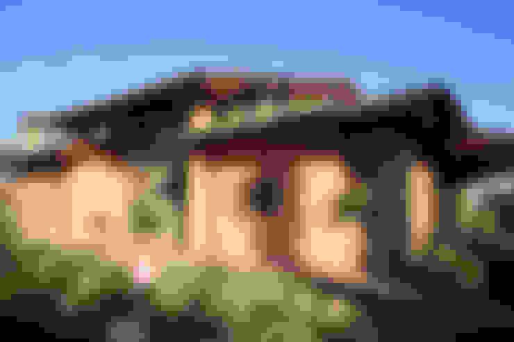 Rumah by Studio Associato TOP (Tecnici Operatori Progettisti) - Bruschetini Architetti & Partners