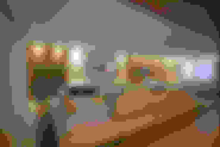 غرفة المعيشة تنفيذ Escritório Ana Meirelles