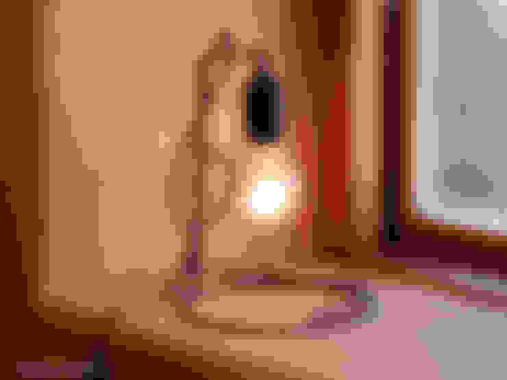 ト音記号のランプスタンド「To-on」 G cref lamp stand: Only Oneが手掛けた寝室です。