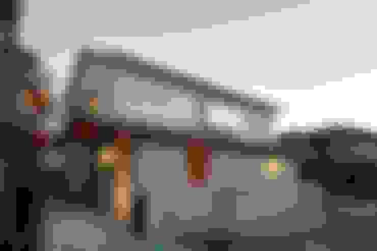 Casas  por アトリエ スピノザ