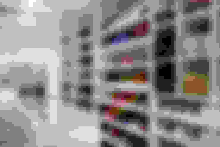 Closet Sra.: Closets  por Karla Silva Designer de Interiores