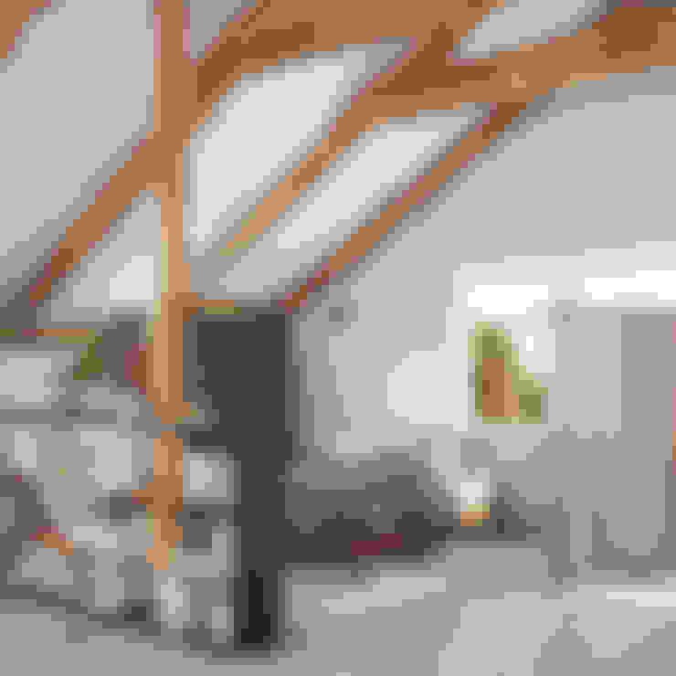 Habitaciones de estilo  por Polygon arch&des