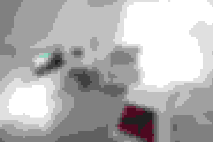 Módulo TV + Guardado: Livings de estilo  por MINBAI