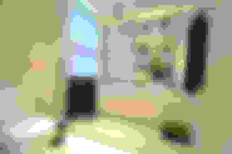 Suíte DOIS (em masculino): Banheiros  por Marcelo Minuscoli - Projetos Personalizados