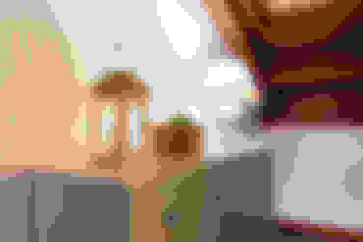 Cuartos de estilo  por Become a Home