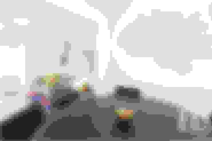 Living room by EU INTERIORES