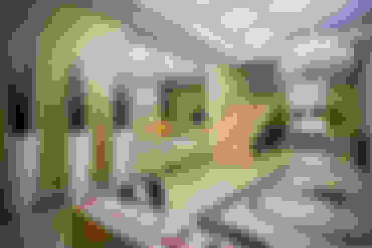 Projeto Corporativo - Itapema-SC: Corredores e halls de entrada  por Landeira & Goes Arquitetura