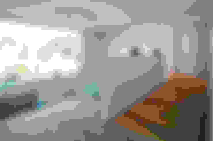 Gang en hal door BESPOKE GmbH // Interior Design & Production