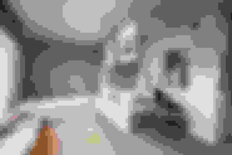 Casas de banho  por BESPOKE GmbH // Interior Design & Production