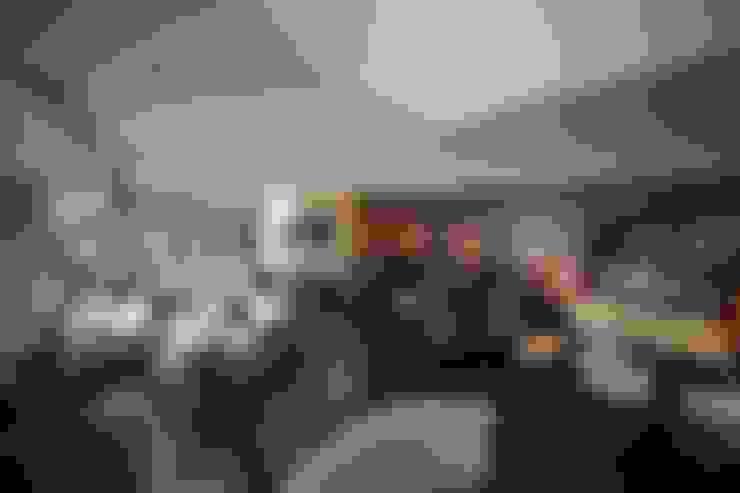 Kerim Çarmıklı İç Mimarlık – Bekleme Salonu:  tarz Oturma Odası