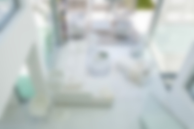 View into the living room: Salas de estar  por JSH Algarve Arquitectura Lda