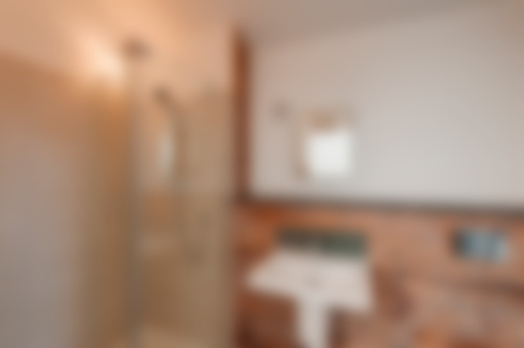 Ванные комнаты в . Автор – Trewin Design Architects