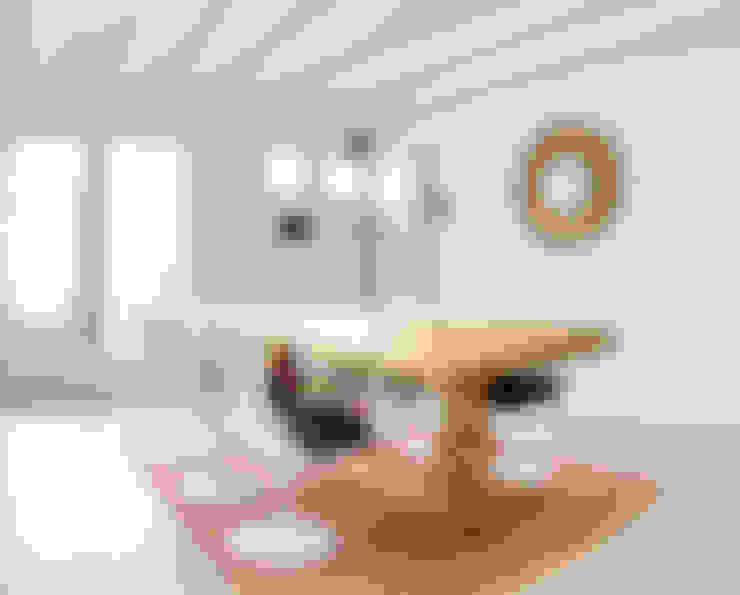 Salle à manger de style  par StudioBMK