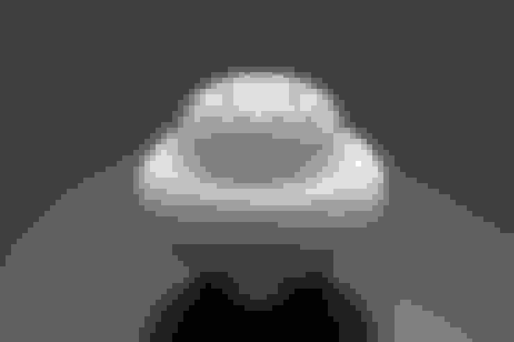白磁 花文 香炉: 磁器工房・静風舎が手掛けたアートです。