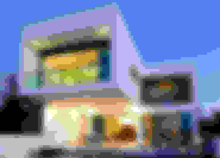 Terrazas de estilo  por LIZZIE VALENCIA arquitectura & diseño