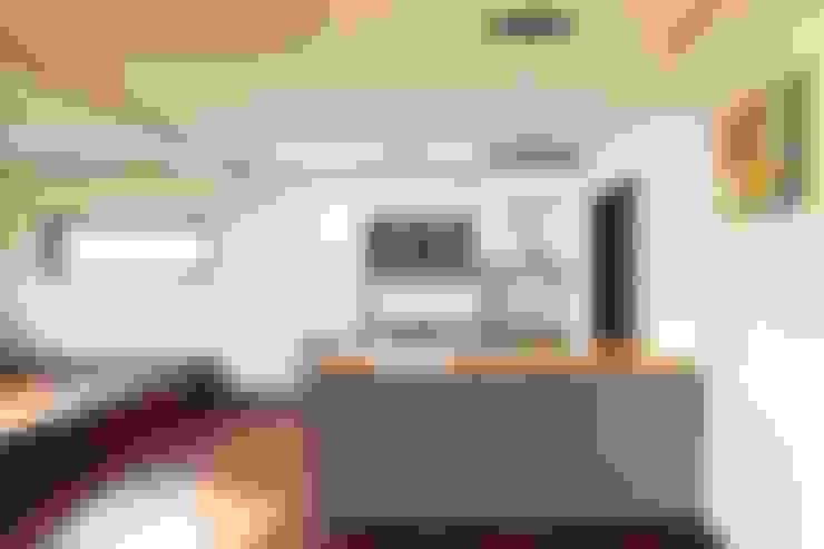 햇살품은 미니멀리즘 주택   [용인 방아리]: 윤성하우징의  주방
