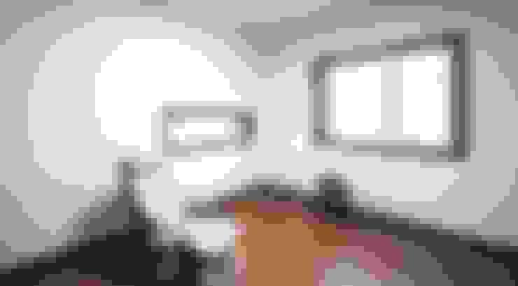 햇살품은 미니멀리즘 주택   [용인 방아리]: 윤성하우징의  서재 & 사무실