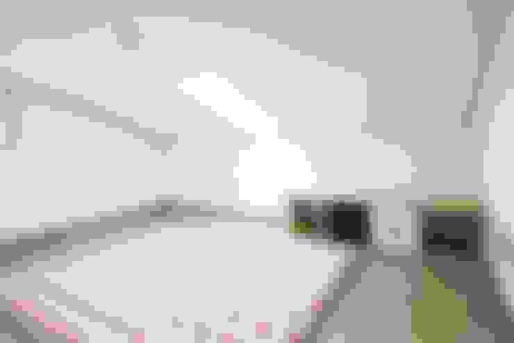 Nursery/kid's room by 윤성하우징