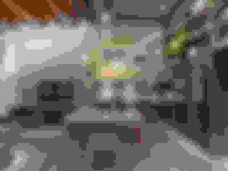 Comedores de estilo  por Sarau Arquitetura