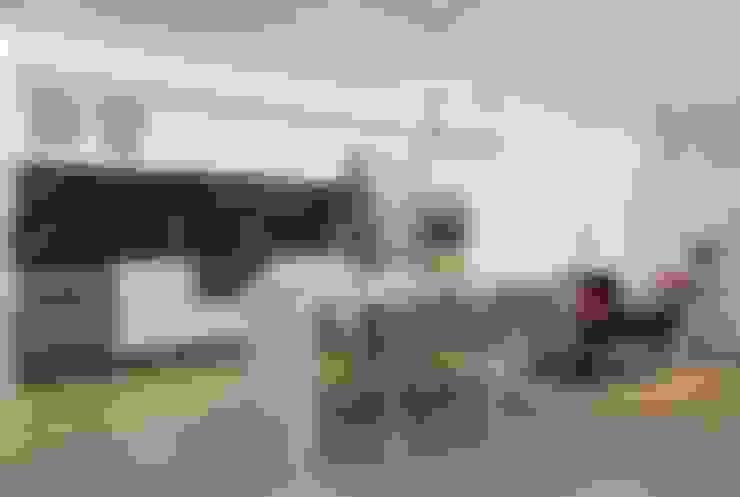 Apartamento Celebrity : Cozinhas  por carolina lisot arquitetura