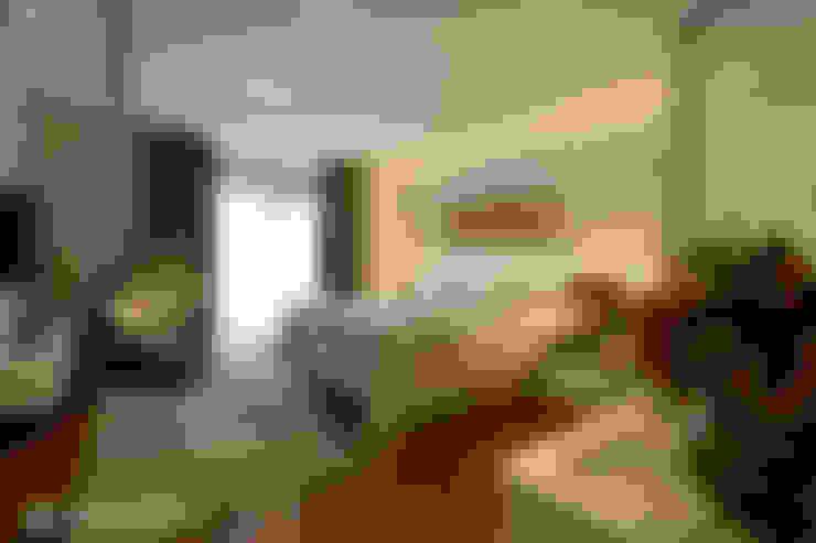 Dormitorios de estilo  por Tania Bertolucci  de Souza  |  Arquitetos Associados