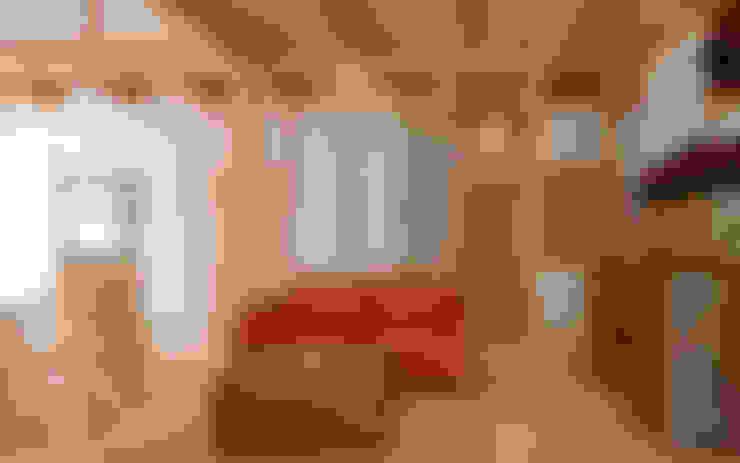 客廳 by AMI ENVIRONMENT DESIGN/アミ環境デザイン
