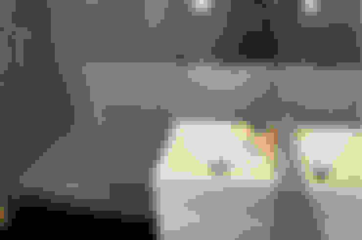 Bathroom by Obra de Eva