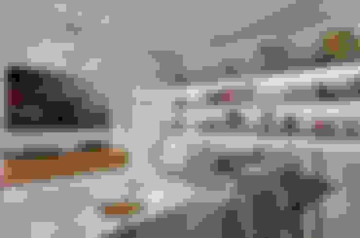 Projekty,  Pokój multimedialny zaprojektowane przez Piacesi Arquitetos