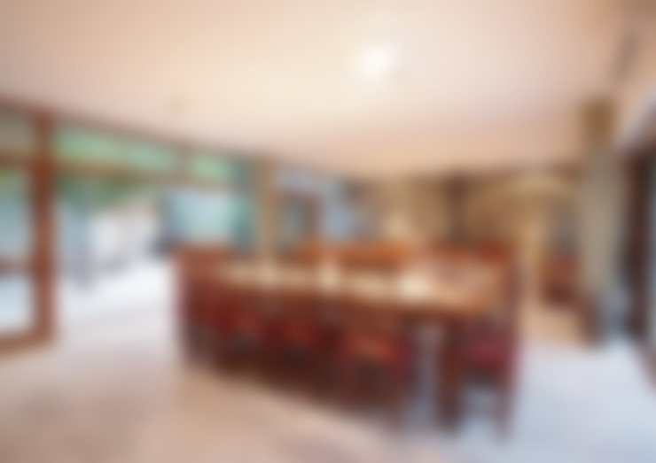 Dining room by LUCAS MC LEAN ARQUITECTO