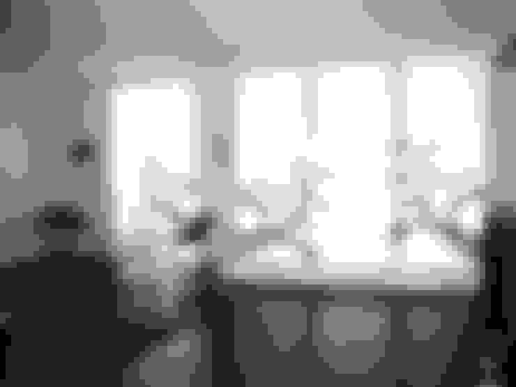 Salas / recibidores de estilo  por s.wert design