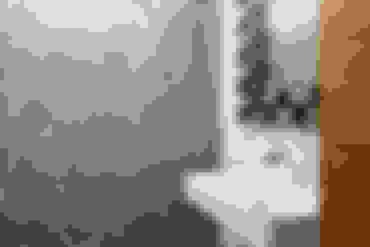 Baños de estilo  por Baufritz (UK) Ltd.