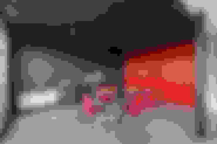 Casa Container: Comedores de estilo  por estudioscharq