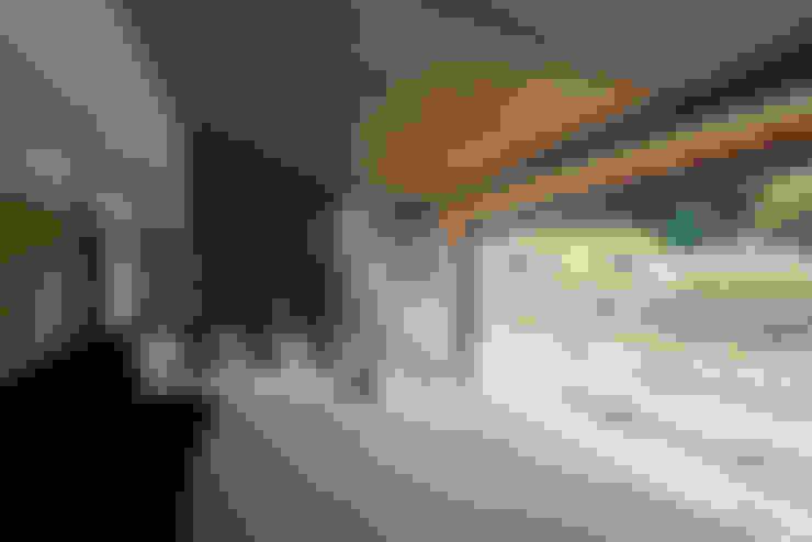 客廳 by TRANSTYLE architects
