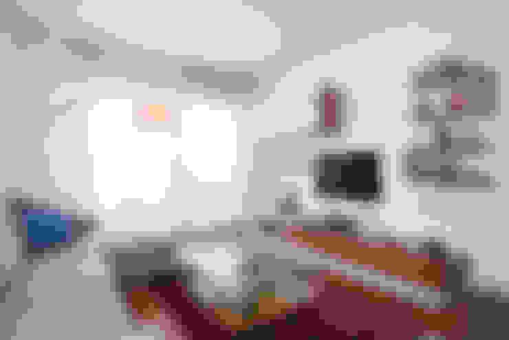 Parete TV: Soggiorno in stile  di zero6studio - Studio Associato di Architettura