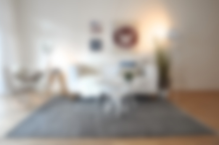 Salas / recibidores de estilo  por Karin Armbrust - Home Staging