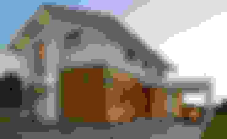 Casas de estilo  por Licht-Design Skapetze GmbH & Co. KG