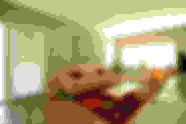 Casa Storni: Salas multimedia de estilo  por Queixalós.Trull Arquitectos