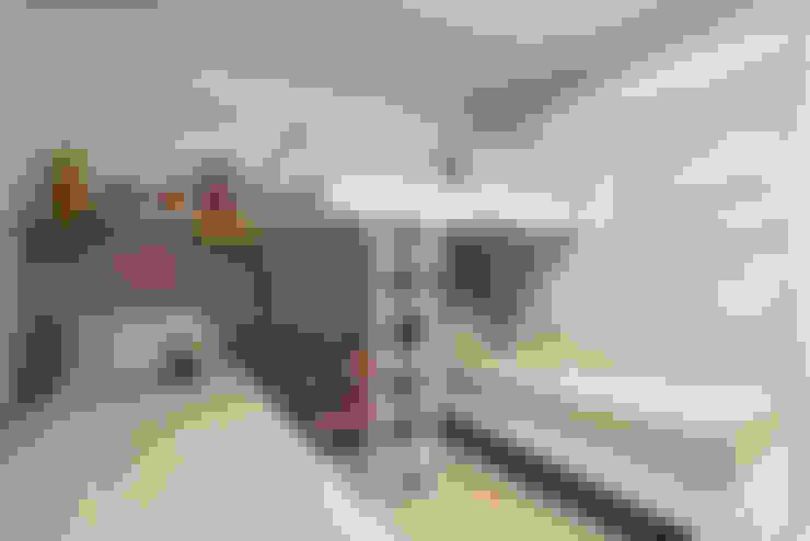 Nursery/kid's room by Locus Arquitetura