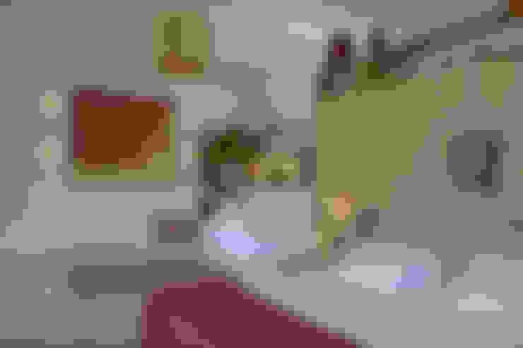 Dormitorios de estilo  por Kubik Lab