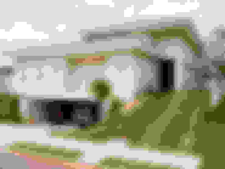 Residência PC: Casas  por Maria Helena Caetano _ Arquitetura e Interiores