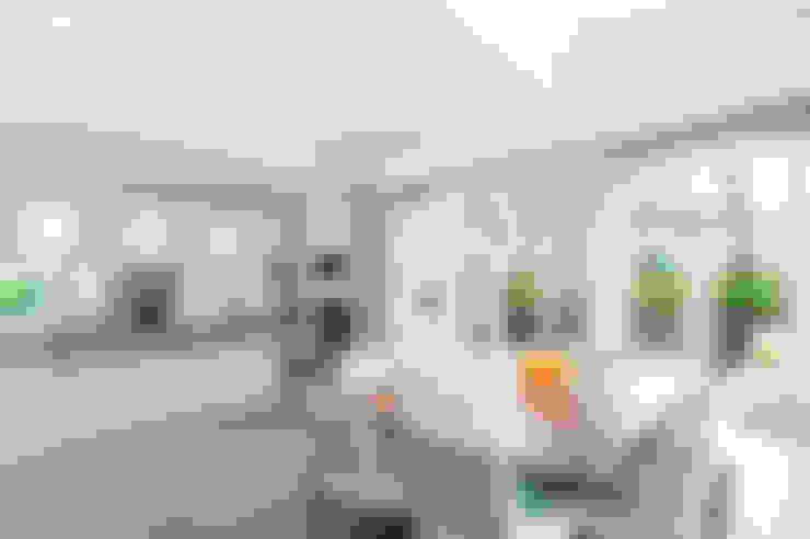 Projekty,  Kuchnia zaprojektowane przez Des Ewing Residential Architects