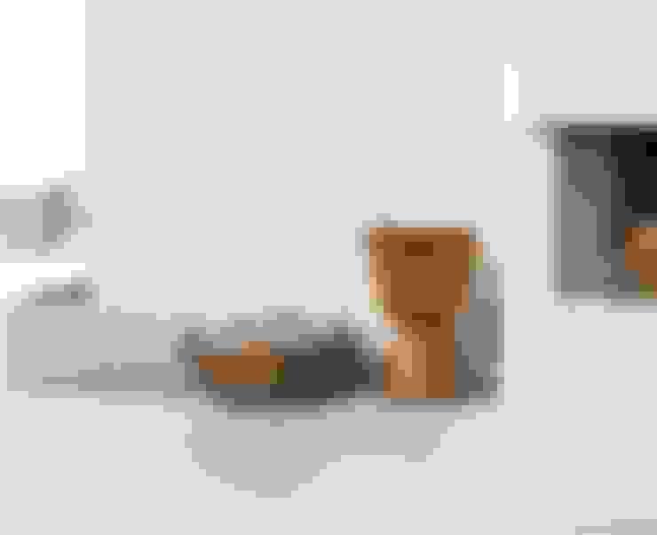 Walls & flooring by Spadon Agenturen